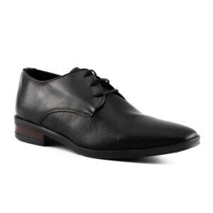 Zapato negro con petatillo