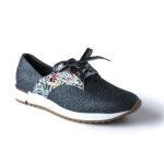 Zapatos con detalles metálicos
