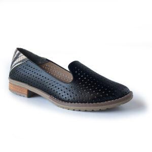 zapato negro tipo bailarina